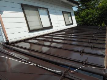 生き返った屋根を見てうれしくなります。